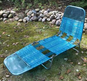 Vintage Aluminum Lawn Lounge Chair Beach Patio Chaise BLUE Vinyl Tube Adjustable