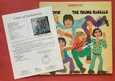 """JSA LOA  YOUNG RASCALS signed by 4 """"GROOVIN'"""" autographed 1967 vintage ALBUM"""