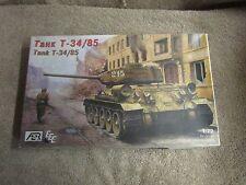 AER Tank T-34/85 Model Kit - 1:72 Scale - No. 72009   (L 1)