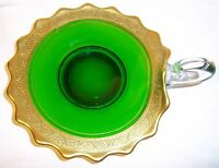 VINTAGE EMERALD GREEN AND GOLD GLASS NAPPY