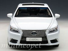 AUTOart 78843 LEXUS LS600hL 1/18 DIECAST MODEL CAR WHITE PEARL