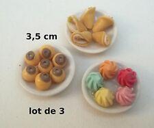 trois plats garnis, miniature,maison de poupée,vitrine,épicerie,pâtisserie S10-A
