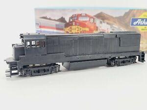 Athearn 3400 Undecorated GE U28B Diesel Train Engine Kit HO Vintage NEW