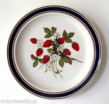 Collectible TIENS HAN HALO BLUE Red Strawberries & Daisies Ceramic Plate Clock