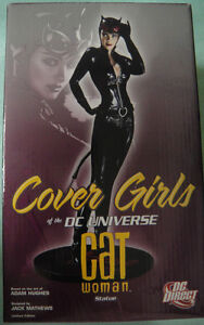 DC Direct CATWOMAN COVER GIRL of UNIVERSE STATUE HUGHES NEW Maquette From BATMAN