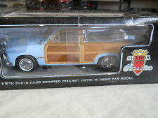 1949 FORD WOODY WAGON MOTOR CITY CLASSICS 1:18 DIECAST NEW