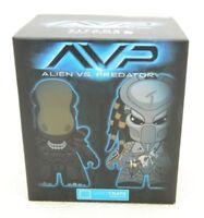 "Loot Crate Exclusive Alien VS Predator AVP Titan Vinyl 4.5"" Figure Blind Box NEW"