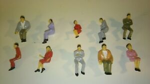 O GAUGE PAINTED SEATED PASSENGERS x 30