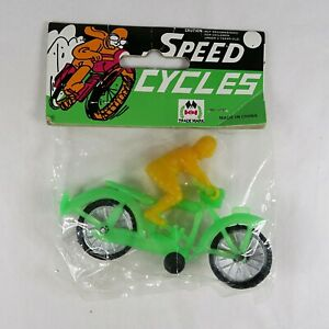 Vintage Speed Cycles Green & Yellow Plastic Motorcycle Racing Toy NOS Sealed