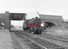 PHOTO  LMS CLASS 8F LOCO NO 48035  NR FENNEY COMPTON 1964