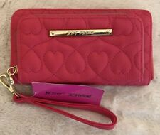 BETSEY JOHNSON QUILTED HEARTS CORAL PINK ZIP AROUND WRISTLET WALLET NWT