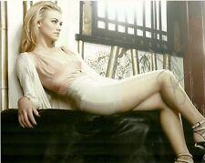 Sexy Yvonne Strahovski Autographed Signed 8x10 Photo COA #2