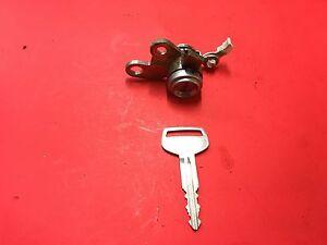 2000-2005 TOYOTA ECHO PASSENGER FR DOOR LOCK CYLINDER W 2 KEYS USED OEM!