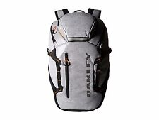 New Men's Oakley Voyage 27 Pack Backpack - 92738A-23Q - MSRP $175 - 27L