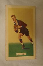 FITZROY - 1934 Hoadleys Vintage Football Card - L.Pye.