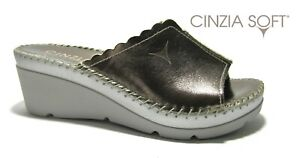Pantofole ciabatte da donna con zeppa alta Cinzia Soft in pelle aperte comode
