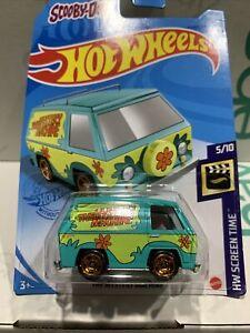 Hot Wheels 2021 The Mystery Machine Die-cast Van, Scooby-Doo HW Screen Time New
