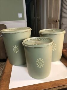 Tupperware Nesting Canisters w/Lids 805, 807, 809 AVACADO Green Vintage