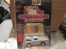 1996 DODGE TRUCK RAM SILVER Racing Champions mint issue 33 w/stand 1:61 Scale