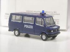 Belli: Wiking Mercedes 207 d polizia con le sbarre in Blu in scatola originale