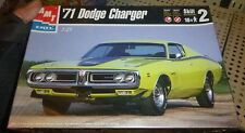 AMT 1971 DODGE CHARGER R/T 1/25 MODEL CAR MOUNTAIN KIT FS