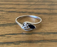 Vintage 9ct White Gold Ring With Natural Sapphire And Natural Diamonds Size R1/2
