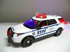 LARGE 1/18 Scale  NYPD New York POLICE FORD EXPLORER SUV WORKING LIGHTS SIREN It