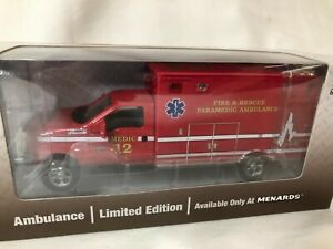 1/48 scale metal model MENARDS GOLD LINE Fire & Rescue Ambulance Paramedic Medic