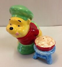 Disney Winnie The Pooh Cooking As A Chef Salt and Pepper Shakers Kitchen Figure