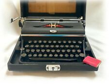 VINTAGE 1930s ROYAL Portable Manual Typewriter & Case with Key - Clean  D-125386