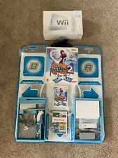 Nintendo Wii console with 2 games, 1 Controller, Wii Play, Dance Revolution 2