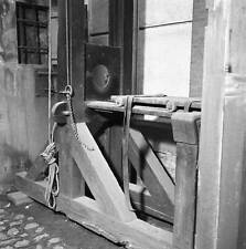 OLD PHOTO The Guillotine Of The Fresnes Prison In 1950