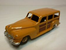 DINKY TOYS 344 PLYMOUTH WOODY STATION WAGEN - BROWN 1:43 - GOOD CONDITION