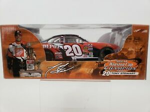 ACTION Tony Stewart #20 Home Depot Winston Cup Champion 1/24 Diecast NASCAR 2002
