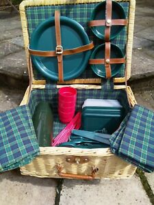 2 PERSON WICKER PICNIC BASKET + PLASTIC BOWLS, PLATES, CUPS + FLASK - STAYCATION