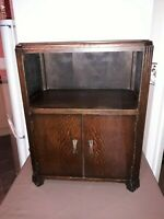 Herbert e Gibbs Old Vintage Side Board/Cupboard - Very Good Solid Condition