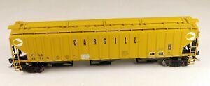 InterMountain #45376-18 3-Bay Covered Hopper Cargill PTLX #33915 1/87 HO Scale