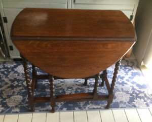 Old Oak Barley Twist Table