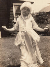 """MARIE ANTOINETTE COSTUME """"GUESS WHO?"""" POWDER WIG GIRL ~ 1930s VINTAGE PHOTO"""