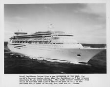 Royal Caribbean Cruises SOVEREIGN OF THE SEAS large black & white picture