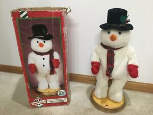 """Animated Hip Swinging Snowman Dances to """"Let it Snow"""" Gemmy 18"""" RARE Used"""
