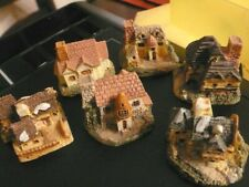 """6x Tiny English cottages / houses / Inns. 1.5"""" Lots of detail, over 50 years old"""