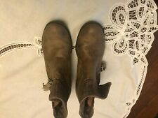 b.o.c. low taupe boots sz 8.5