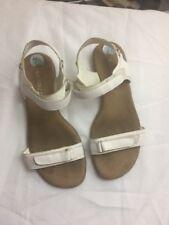 Women Aerosole White Flat Causal Sandals  Size 7.5