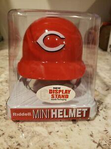 Riddell MLB Cincinnati Reds  Batting Mini-Helmet