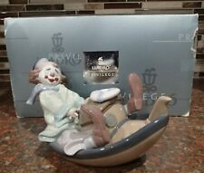 "Lladro 8137 ""Circus Waves"" happy clown steering his small boat - MIB, RV$770"