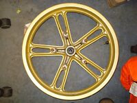 Yamaha. YZF 125 R 2010 front wheel 17 x 2.75 gold, straight c/w disc bolts