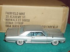 HIGHWAY 61/FAIRFIELD MINT 1964 BUICK RIVIERA 1 /18 SILVER