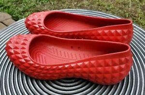 CROCS SLIP-ON WOMENS RED SHOES FLATS SZ. 7 WOMEN'S