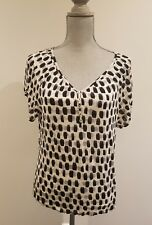 BLACK AND WHITE BATWING V NECK TOP - SIZE XS WITH BUTTONS